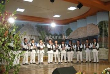 """""""Festivalul tradiţiilor din Sadu"""", ediţia a VIII–a"""